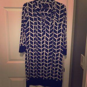 Geometric print shift dress size 4
